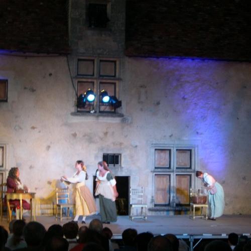 comédiens jouant le médecin malgé lui sur scène